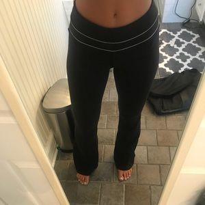 Lululemon Size 6 Black Yoga Pants